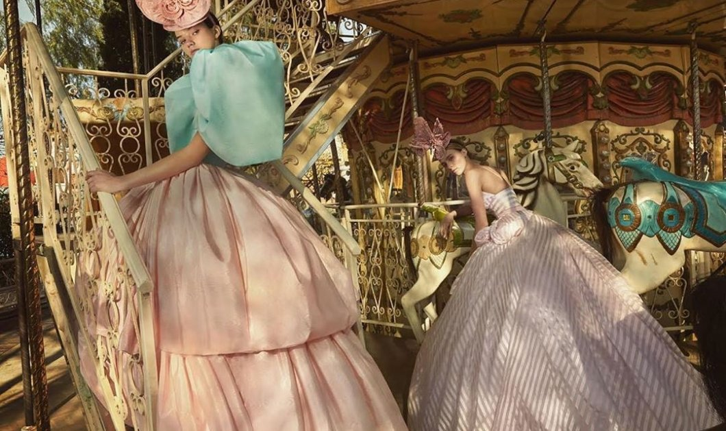 Η νέα κολεξιόν της Σήλιας Κριθαριώτη είναι ονειρική: Αέρινα υφάσματα, έντονες αλλά και παστέλ αποχρώσεις & μοντέλα - πριγκίπισσες του παραμυθιού (φωτό) - Κυρίως Φωτογραφία - Gallery - Video