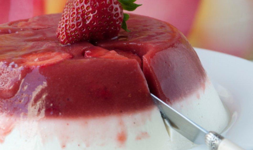 Υπέροχο γλυκό γιαούρτι με ζελέ φράουλας από τον Στέλιο Παρλιάρο  - Κυρίως Φωτογραφία - Gallery - Video
