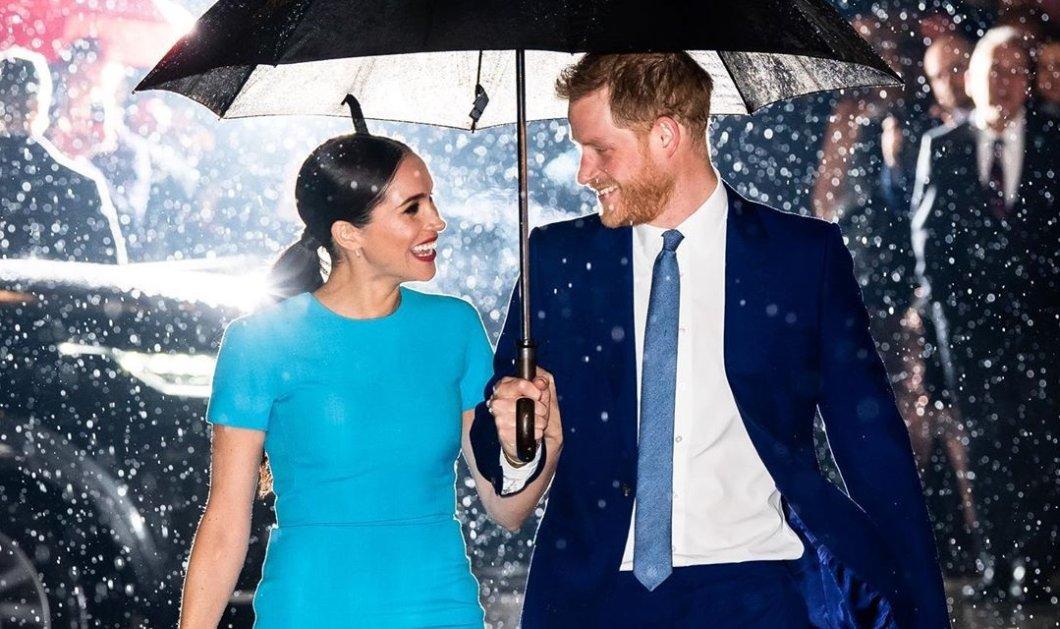 Meghan Markle is back!!! Η επιστροφή της άτακτης πριγκίπισσας με θαλασσί φουστάνι Victoria Beckham, γόβες στιλέτο & έρωτα για τον Harry (φωτό- βίντεο) - Κυρίως Φωτογραφία - Gallery - Video