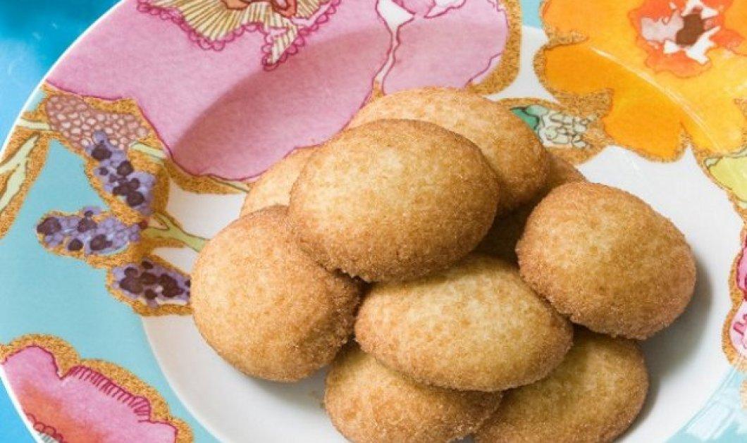 Ο Στέλιος Παρλιάρος φτιάχνει πεντανόστιμα, τραγανά cookies polvorones με αλεύρι ολικής άλεσης - Κυρίως Φωτογραφία - Gallery - Video