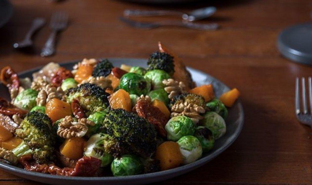 Ο Άκης Πετρετζίκης δημιουργεί απίθανη healthy σαλάτα με ψητά λαχανικά και υπέροχο ντρέσινγκ από μέλι! - Κυρίως Φωτογραφία - Gallery - Video