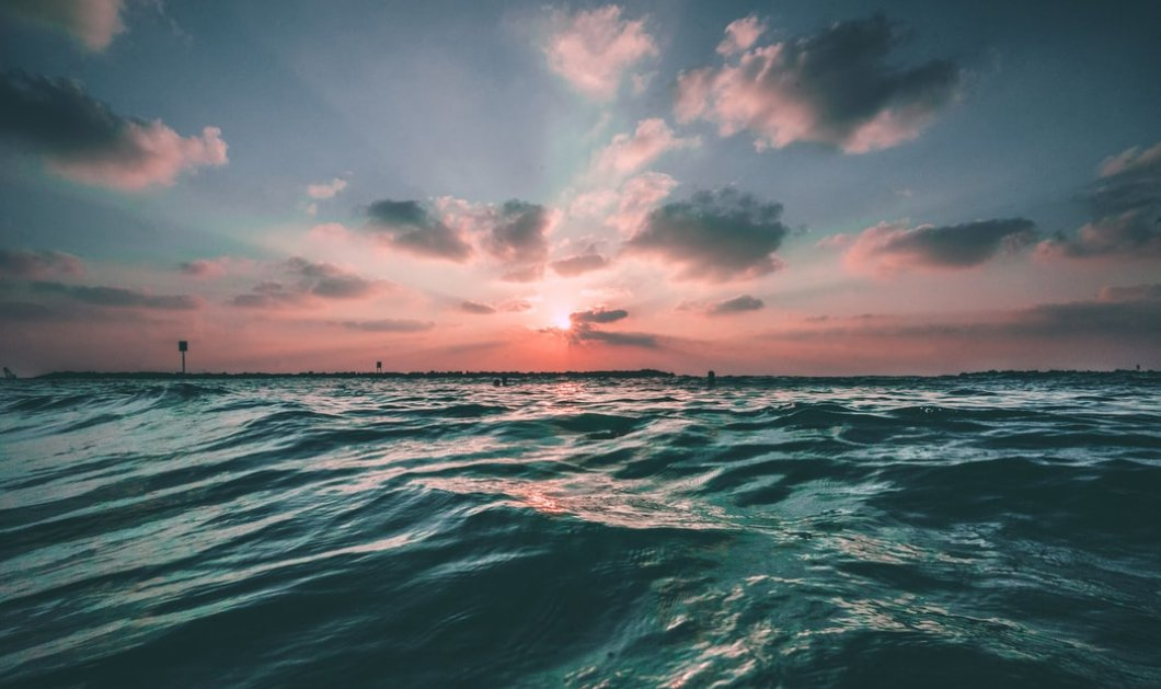 Θάλασσα, το γιατρικό της ψυχής και του σώματος - Η αλμύρα της μπορεί να κλείσει πληγές - Κυρίως Φωτογραφία - Gallery - Video