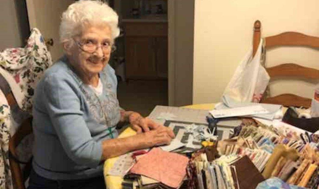 "Top Woman της ημέρας η Αμερικανίδα 89χρονη γιαγιά: Ακούει το ""Help"" των Beatles & ράβει μάσκες (φωτό - βίντεο) - Κυρίως Φωτογραφία - Gallery - Video"