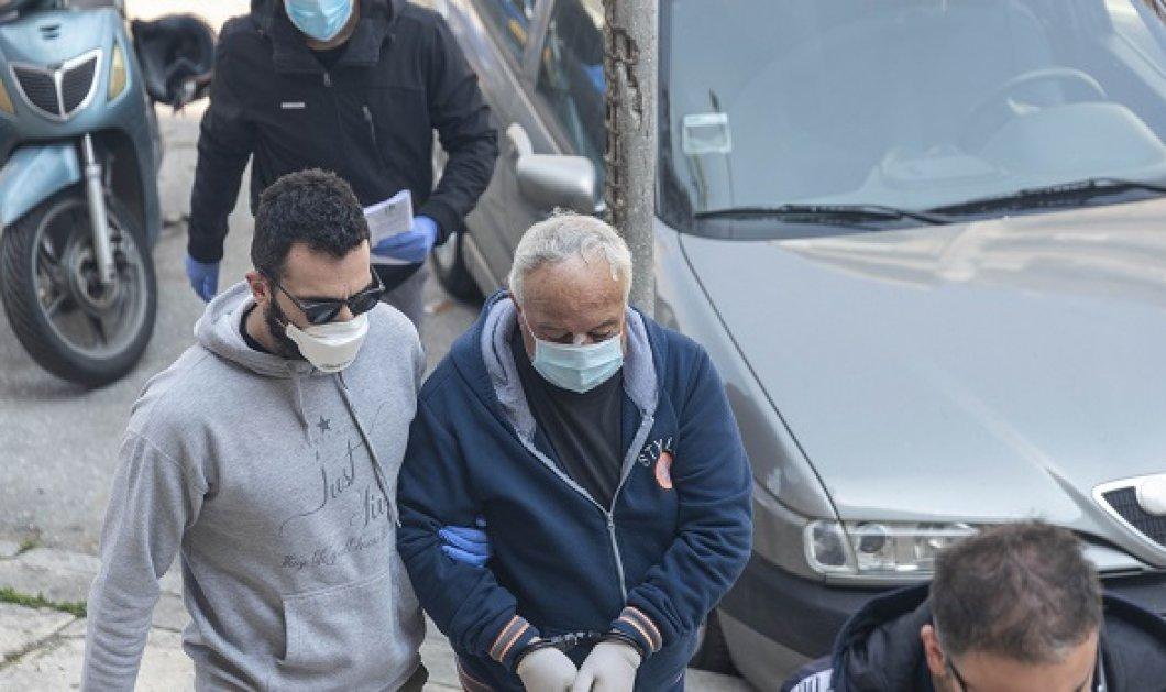 Η τραγωδία της Θεσσαλονίκης: Θόλωσε το μυαλό μου όταν με χτύπησε ο γιος μου, έφαγα πολλές - Τον πυροβόλησα, δεν θυμάμαι πόσες φορές - Κυρίως Φωτογραφία - Gallery - Video
