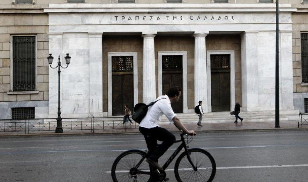 Πως οι καταθέσεις των Ελλήνων στις τράπεζες αυξήθηκαν κατά 5,1 δις μέσα στην καραντίνα του  κορωνοϊού - Κυρίως Φωτογραφία - Gallery - Video
