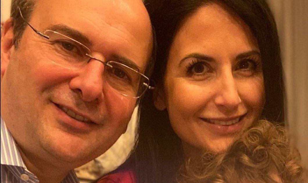 Ποια διάσημη Ελληνίδα παρουσιάστρια έχει ίδια μέρα γενέθλια με τον Υπουργό Περιβάλλοντος Κωστή Χατζηδάκη: Οι χαρούμενες φωτό & τα μηνύματα - Κυρίως Φωτογραφία - Gallery - Video