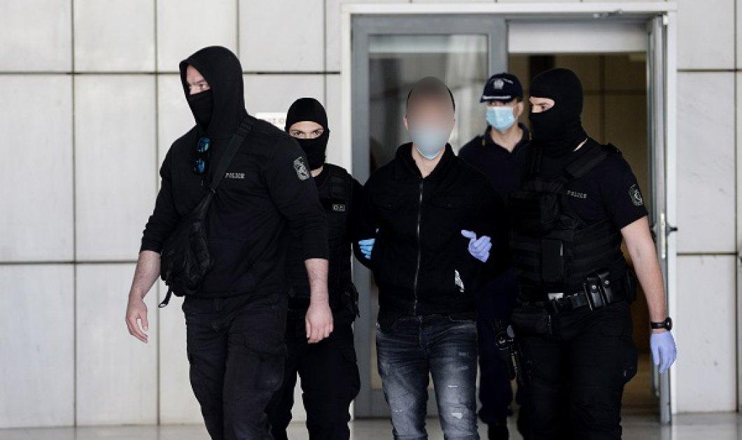 Δίκη Τοπαλούδη: Ισόβια & κάθειρξη 15 ετών και στους δύο κατηγορούμενους για τη δολοφονία & τον βιασμό της 21χρονης Ελένης - Κυρίως Φωτογραφία - Gallery - Video