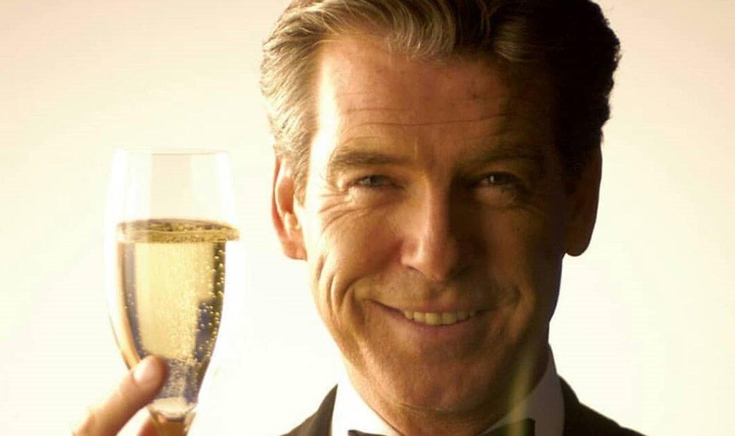 Pierce Brosnan: Ο πιο γοητευτικός James Bond έκλεισε τα 67 - Τρυφερό φιλί από τον μεγάλο του έρωτα & ένα ποτήρι σαμπάνια (φωτό) - Κυρίως Φωτογραφία - Gallery - Video