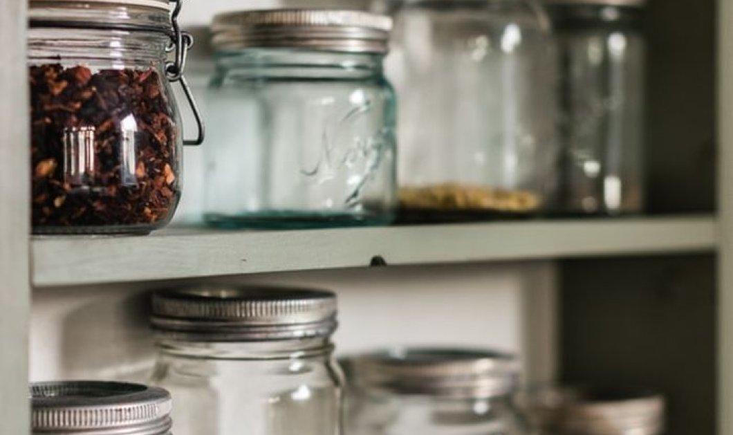 Πώς θα αξιοποιήσουμε τα δεκάδες άδεια, γυάλινα Βαζάκια που έχουμε μαζέψει στα ντουλάπια μας; - Ο Σπύρος Σούλης μας λύνει την απορία - Κυρίως Φωτογραφία - Gallery - Video