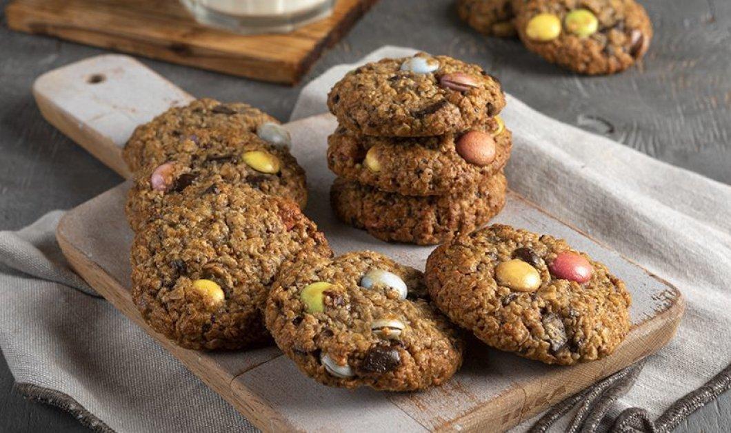 Ο Άκης Πετρετζίκης μας φτιάχνει φοβερά παιδικά μπισκότα με βρόμη και σοκολάτα - Οι μπόμπιρες θα τα λατρέψουν  - Κυρίως Φωτογραφία - Gallery - Video