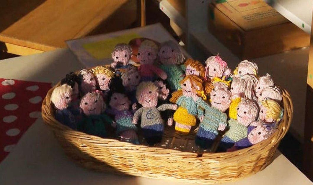 Topwoman η δασκάλα Ingeborg Meinster - Έπλεξε κουκλάκια για να της θυμίζουν τους μαθητές της, αφού της έλειπαν (φωτό) - Κυρίως Φωτογραφία - Gallery - Video