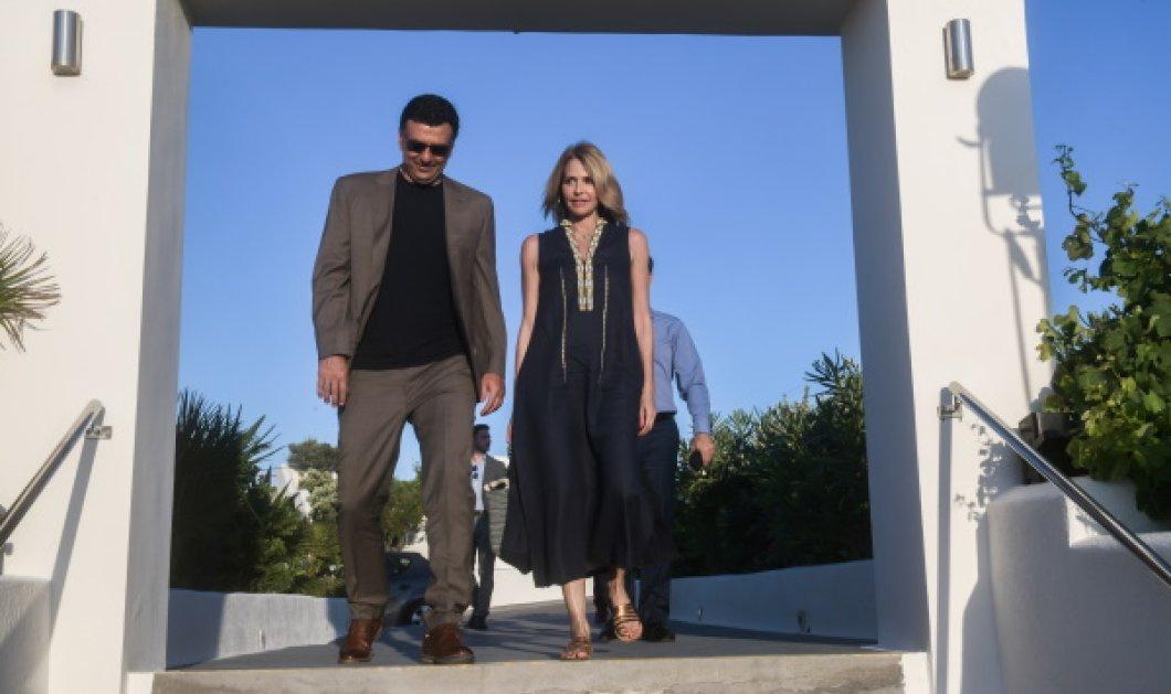 Επέτειος γάμου Κικίλια - Μπαλατσινού στη Σαντορίνη: Στο πλευρό του συζύγου της, η ωραία Τζένη, 1 χρόνο μετά το γάμο (Φωτό)   - Κυρίως Φωτογραφία - Gallery - Video