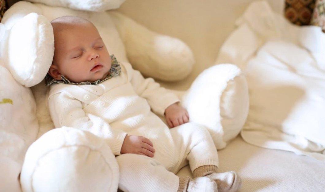 Αυτός ο μικρός Σαρλ μας έχει κατακτήσει: Είναι ο νέος πρίγκιπας του Λουξεμβούργου με τα λευκά του αρκουδάκια (φωτό) - Κυρίως Φωτογραφία - Gallery - Video