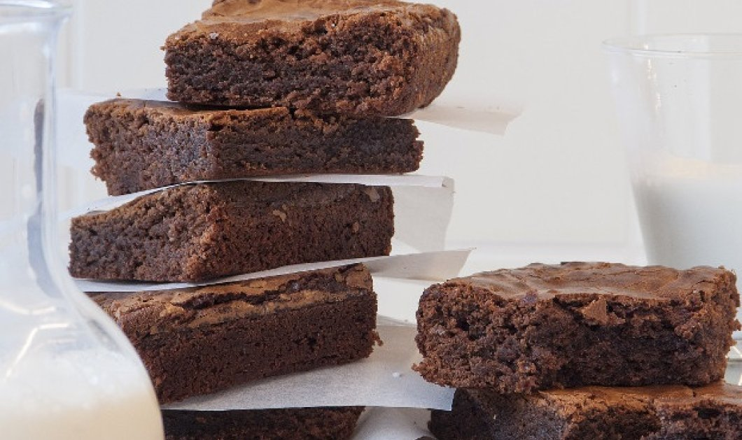 Υπέροχα brownies με πραλίνα από τον σπεσιαλίστα Στέλιο Παρλιάρο - Κυρίως Φωτογραφία - Gallery - Video