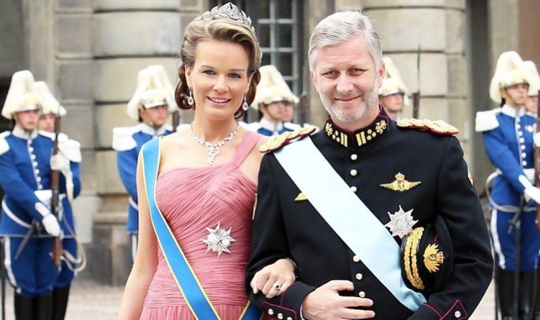 Ο πρώην Βασιλιάς του Βελγίου Αλβέρτος & η Βασίλισσα Πάολα & οι σημερινοί Βασιλιάδες Φίλιππος & Ματθίλδη με τους 4 πρίγκιπές τους (φωτό) - Κυρίως Φωτογραφία - Gallery - Video