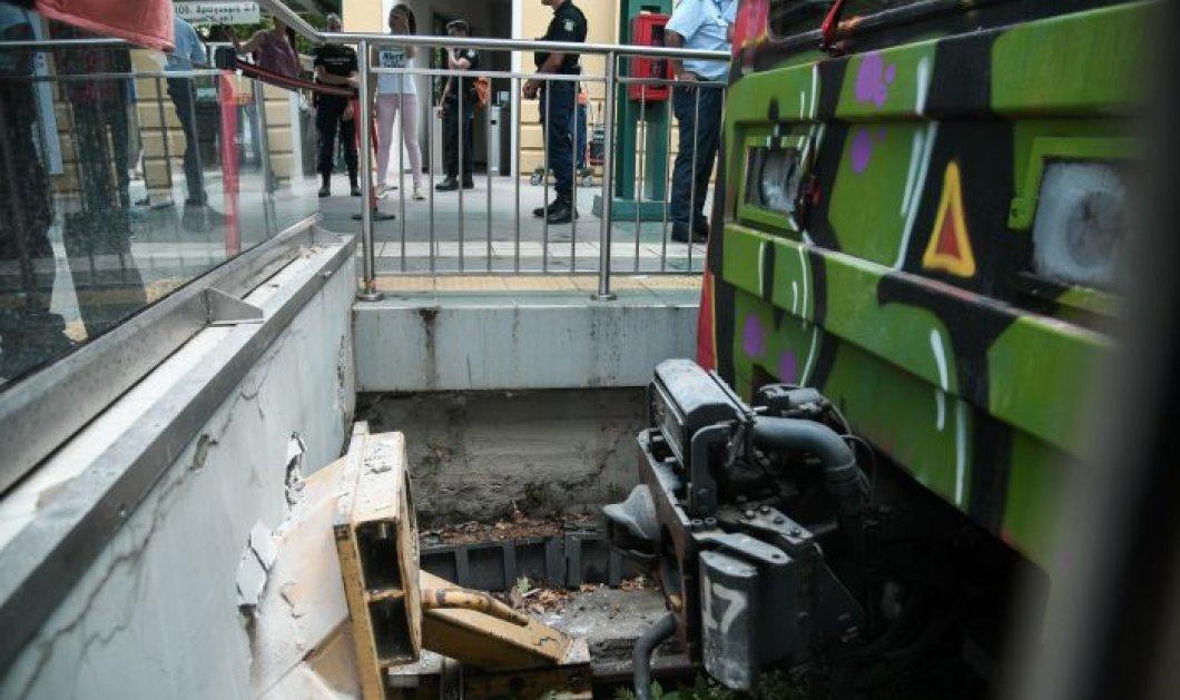 Εικόνες από το ατύχημα με συρμό του ΗΣΑΠ στην Κηφισιά - 8 τραυματίες, διεξάγεται έρευνα  - Κυρίως Φωτογραφία - Gallery - Video