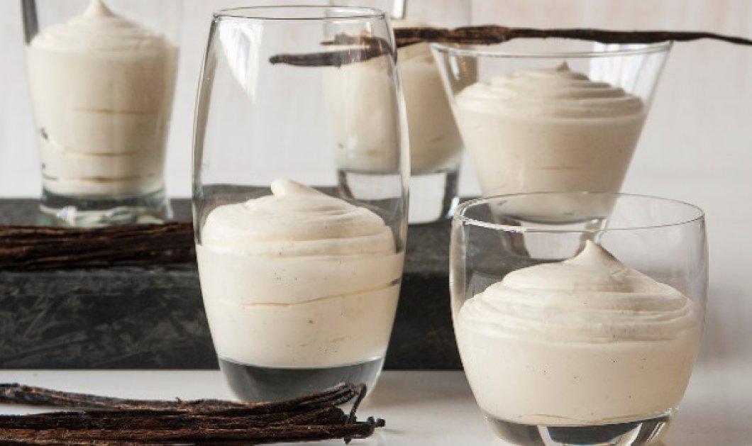 Κρέμα βανίλια με λευκή σοκολάτα από τον μοναδικό Στέλιο Παρλιάρο - Κυρίως Φωτογραφία - Gallery - Video