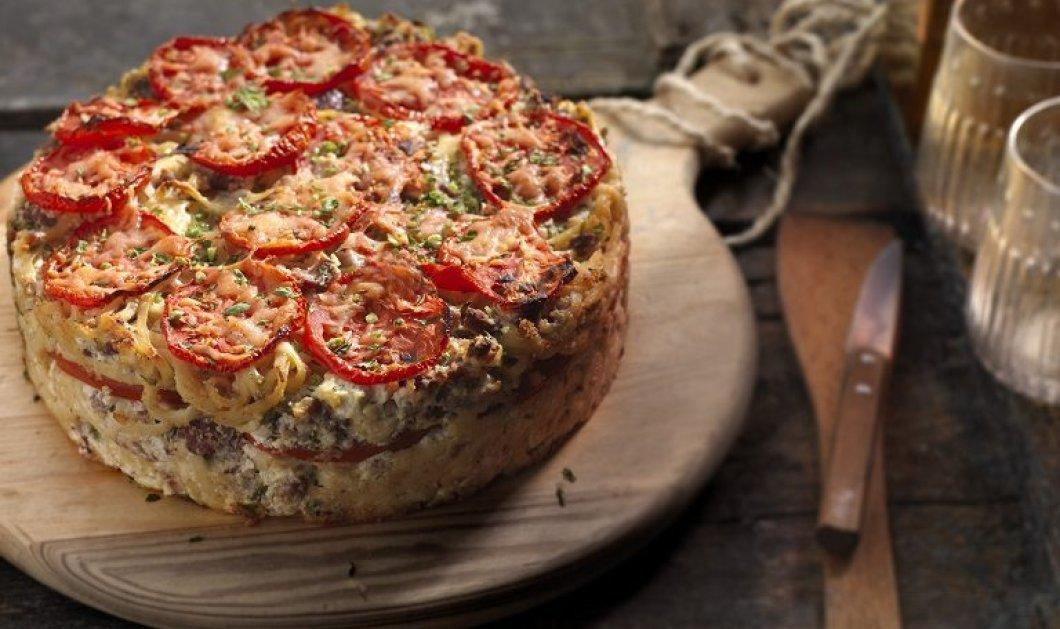 Υπέροχη μακαρονόπιτα με τυριά από την Αργυρώ Μπαρμπαρίγου - Κυρίως Φωτογραφία - Gallery - Video