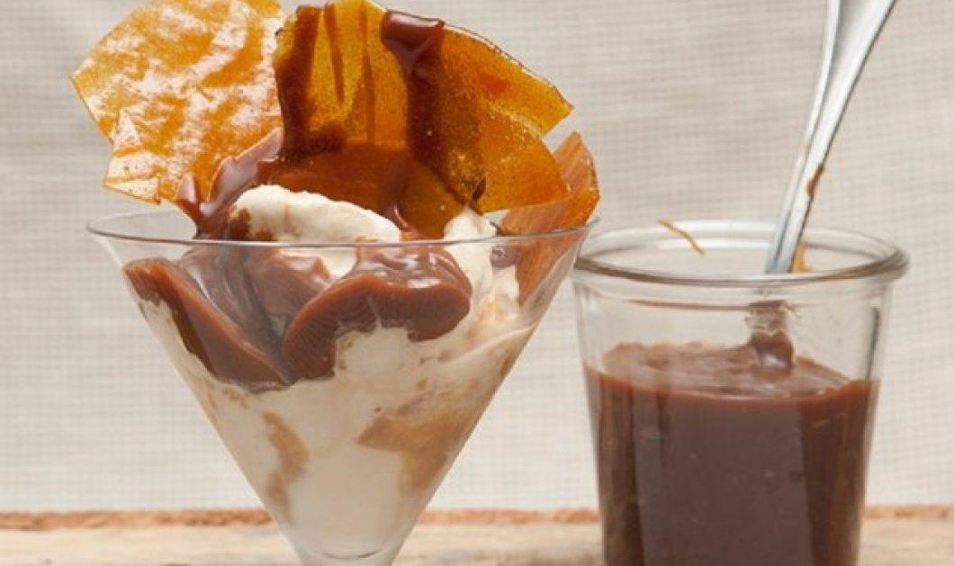 Ο Στέλιος Παρλιάρος φτιάχνει υπέροχο Παγωτό με μπάτερσκοτς - Σκέτη απόλαυση - Κυρίως Φωτογραφία - Gallery - Video