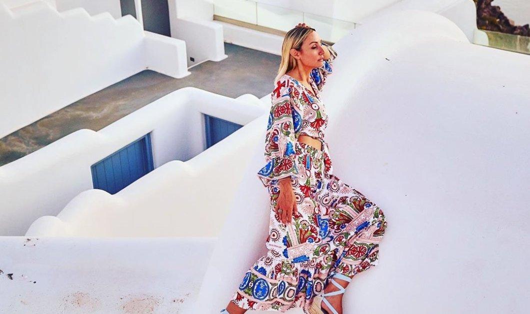 Το φως του ήλιου & το μπλε της θάλασσας στα Made in Greece maxi φορέματα, τουνίκ & αξεσουάρ της Εύης Μυγιάκη (φωτό) - Κυρίως Φωτογραφία - Gallery - Video