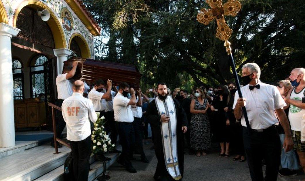 Κηδεία Γιάννη Πουλόπουλου: Η Ελλάδα αποχαιρέτισε τον σπουδαίο καλλιτέχνη - Πλήθος κόσμου στο τελευταίο ''αντίο''  - Κυρίως Φωτογραφία - Gallery - Video
