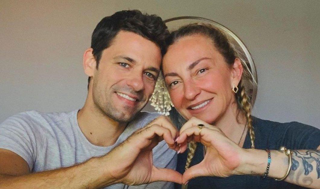 Αποστόλης Τότσικας: Ποζάρει ολόγυμνος στον φακό της συζύγου του, Ρούλας Ρέβη - Οι ασπρόμαυρες λήψεις δίπλα στη θάλασσα (φωτό) - Κυρίως Φωτογραφία - Gallery - Video