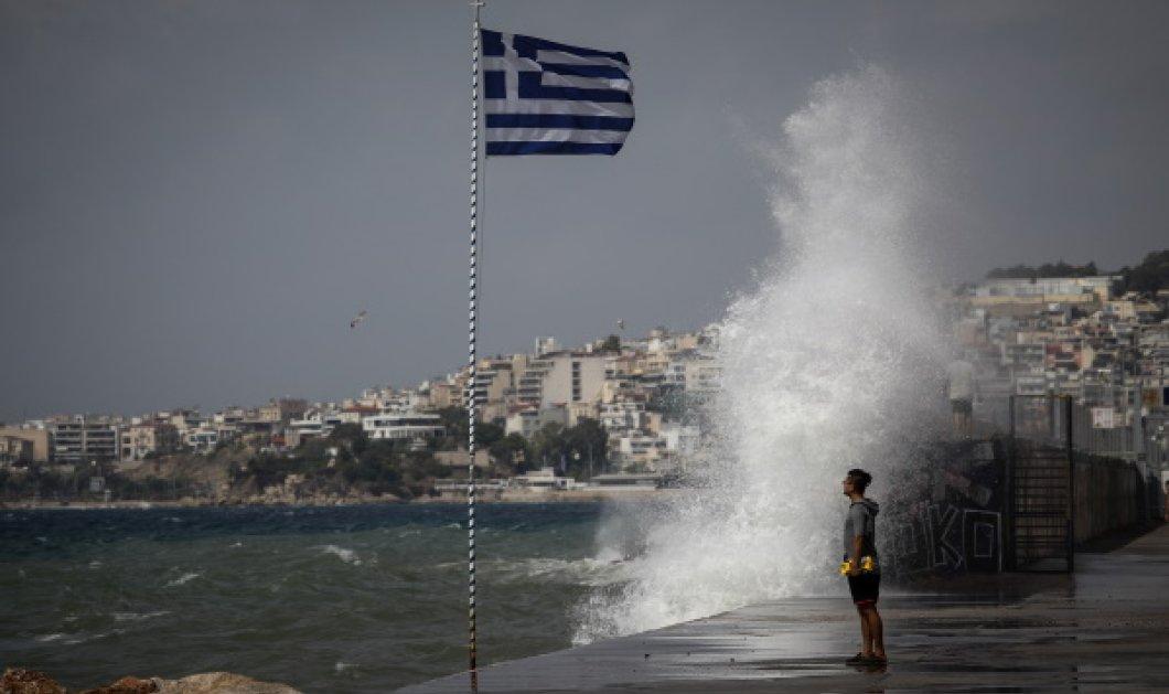 Καταρρακτώδεις βροχές & καταιγίδες - Ισχυροί άνεμοι: Ποια είναι η πρόβλεψη τις επόμενες ώρες για την Αττική – Ολοκληρώθηκε η σύσκεψη της Π.Π  - Κυρίως Φωτογραφία - Gallery - Video