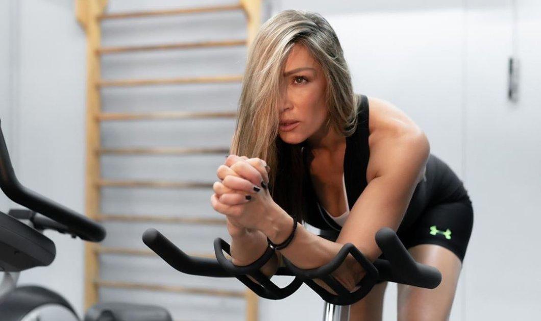 Ελένη Πετρουλάκη: Μας δείχνει εύκολες ασκήσεις με λάστιχο για ενδυνάμωση & καύση λίπους (βίντεο) - Κυρίως Φωτογραφία - Gallery - Video