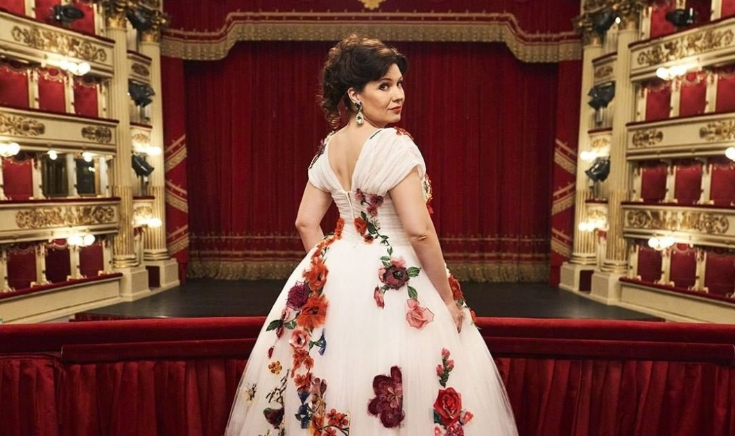 Τα εκθαμβωτικά κοστούμια των Dolce & Gabbana στην πρεμιέρα της περίφημης Traviata στην Σκάλα του Μιλάνου μετά το lockdown! Μαγεία στην όπερα (φωτό) - Κυρίως Φωτογραφία - Gallery - Video