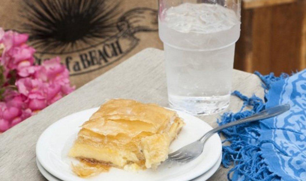 Ο Στέλιος Παρλιάρος μας φτιάχνει ακαταμάχητο γαλακτομπούρεκο με σιμιγδάλι  - Θα ξετρελαθείτε  - Κυρίως Φωτογραφία - Gallery - Video