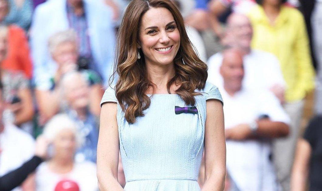 Η Kate Middleton φόρεσε το πιο στυλάτο casual chic σύνολο για το φθινόπωρο - Δεν την έχουμε ξαναδεί με πιο νεανικό look (φωτό - βίντεο) - Κυρίως Φωτογραφία - Gallery - Video