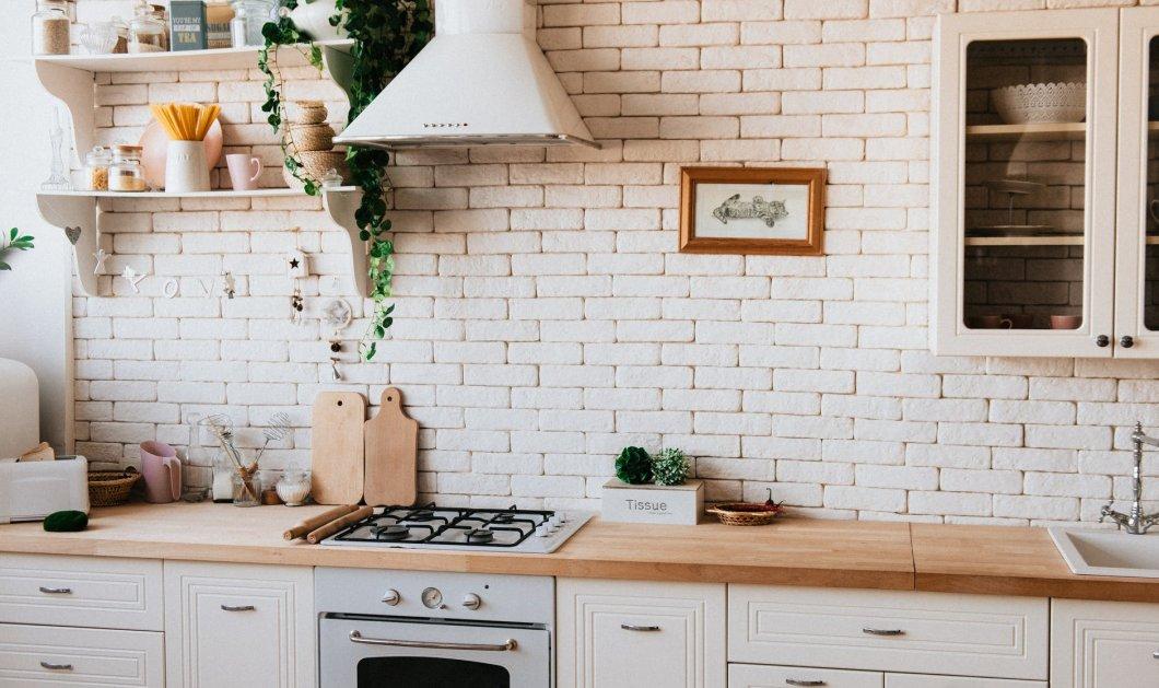 Σπύρος Σούλης: Ιδού 5 δημιουργικοί τρόποι για να δώσετε «αέρα» στους άσχημους πάγκους της κουζίνας σας - Κυρίως Φωτογραφία - Gallery - Video