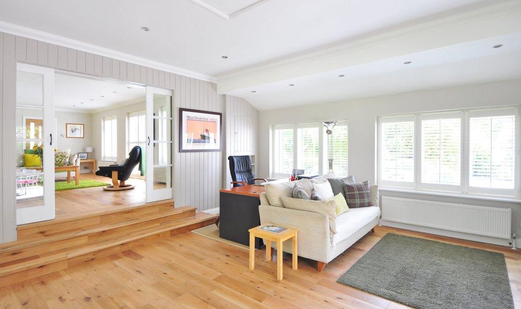 Σπύρος Σούλης: 3 πανεύκολα βήματα για να καθαρίσετε το πάτωμα από σπασμένο αυγό - Κυρίως Φωτογραφία - Gallery - Video