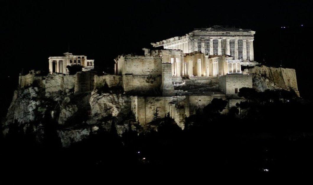 Καρέ καρέ ο νέος φωτισμός της Ακρόπολης: Υπέρλαμπρη, εκθαμβωτική με την επιμέλεια της Ελευθερίας Ντεκώ (φωτό- βίντεο) - Κυρίως Φωτογραφία - Gallery - Video