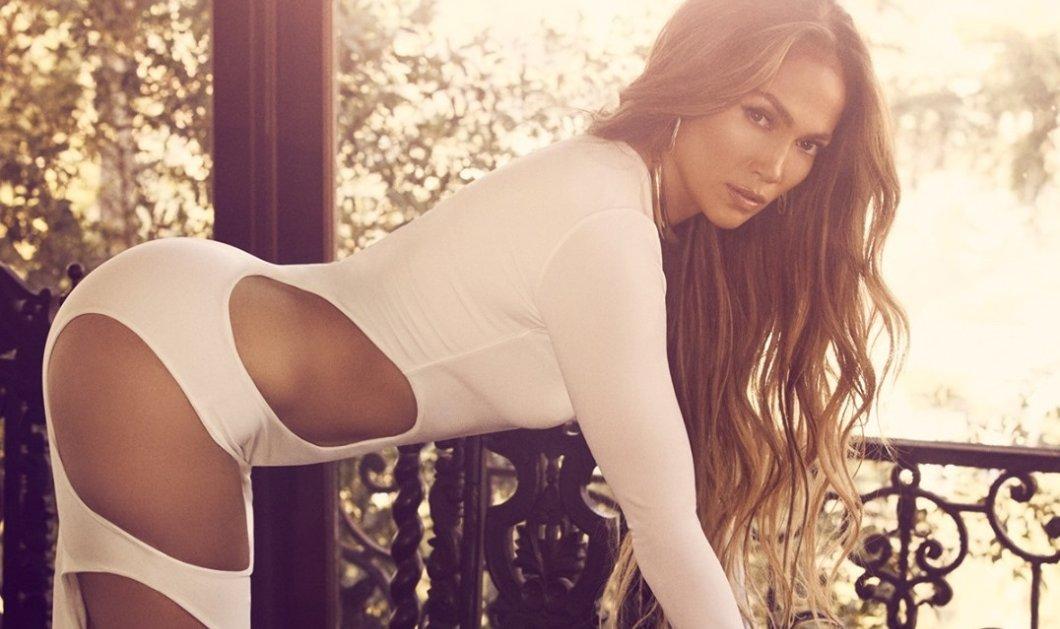 Jennifer Lopez: Γοργόνα με εντυπωσιακό deux pieces της Σήλιας Κριθαριώτη- Crop top & μαλλιά ως τους γοφούς πλάι σε «Λατίνο εραστή» (φωτό) - Κυρίως Φωτογραφία - Gallery - Video