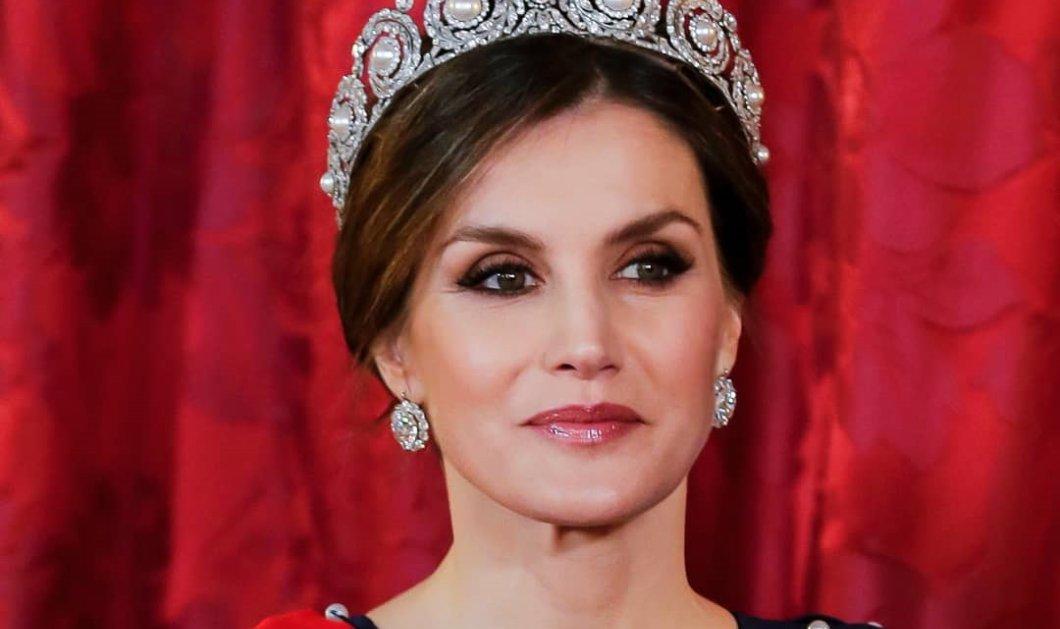 Η βασίλισσα Λετίσια πρέσβειρα μόδας στην Ισπανία – Με φούστα soleil & μαύρο στενό πουκάμισο (Φωτό)  - Κυρίως Φωτογραφία - Gallery - Video
