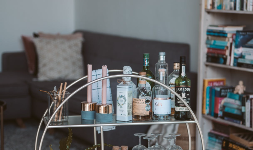 30 chic ιδέες για bar μέσα στο σπίτι: Αφού δεν μπορούμε να βγούμε έξω ας απολαύσουμε το ποτό μας στο χώρο μας  - Κυρίως Φωτογραφία - Gallery - Video