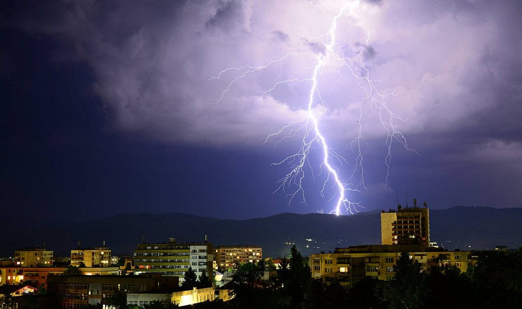 Καιρός: Ραγδαία επιδείνωση του καιρού με βροχές και καταιγίδες - Οδηγίες της Πολιτικής Προστασίας για την κακοκαιρία - Κυρίως Φωτογραφία - Gallery - Video