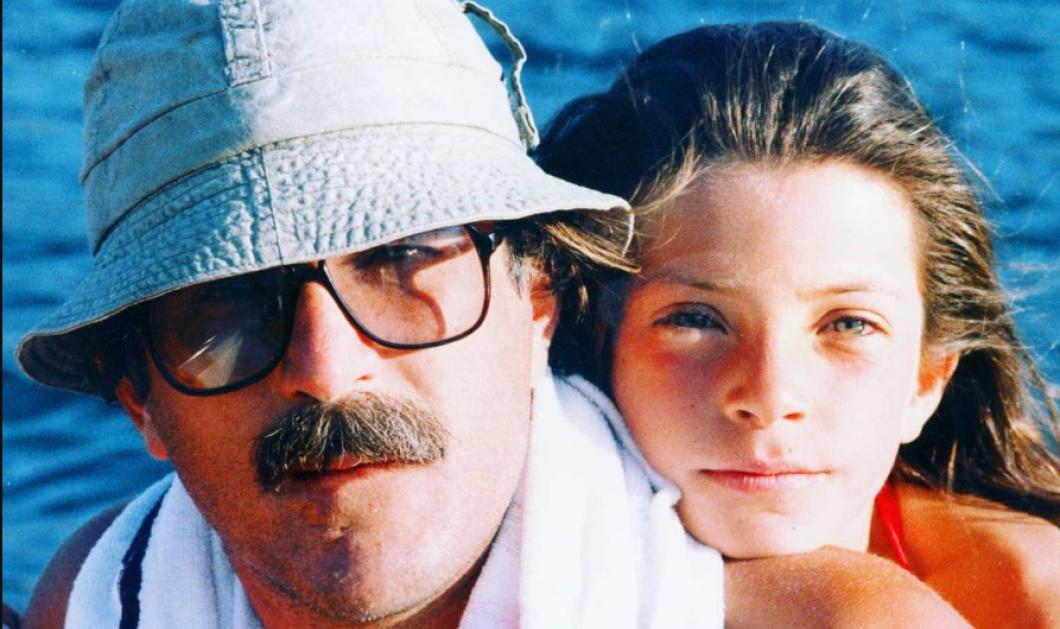 Η Μαρίνα Βερνίκου έχει σήμερα γενέθλια: Της εύχονται ο πατέρας της με τρυφερή φωτό της παιδικής της ηλικίας & η κουμπάρα της Χριστίνα Μπόμπα  - Κυρίως Φωτογραφία - Gallery - Video