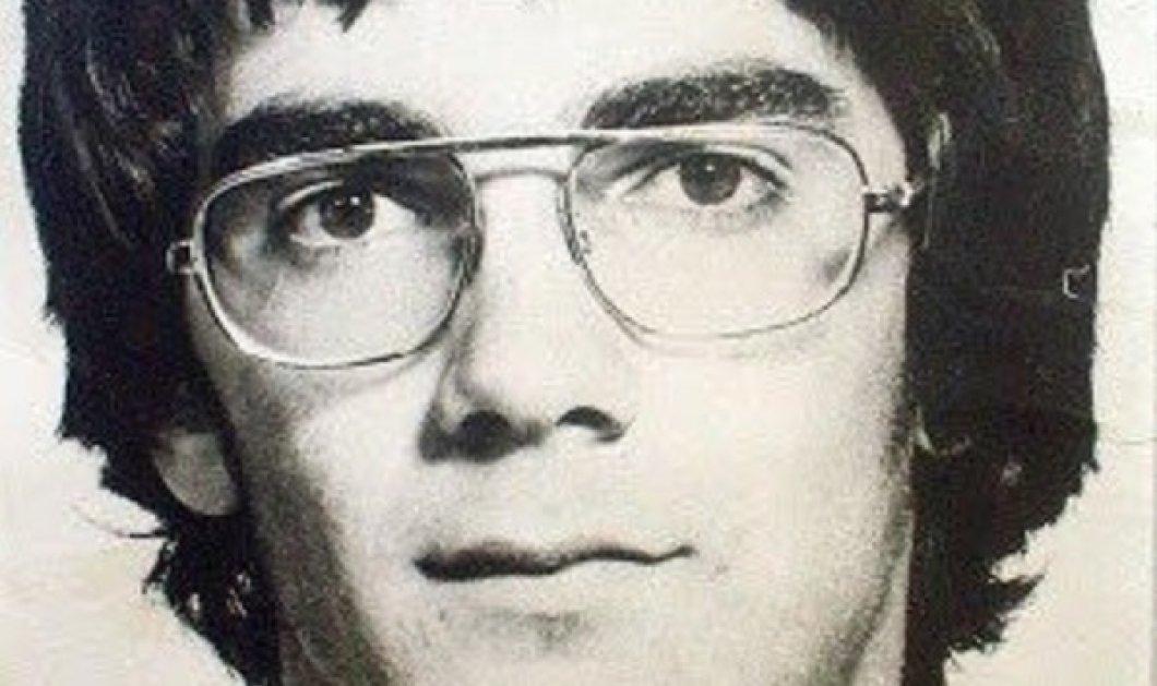 «Το αγόρι που νίκησε τα τανκς», ο Διομήδης Κομνηνός ήταν 17 ετών: Η ιστορία του Πολυτεχνείου είναι εδώ, γράφτηκε με αίμα ανδρείων (φωτό- βίντεο) - Κυρίως Φωτογραφία - Gallery - Video