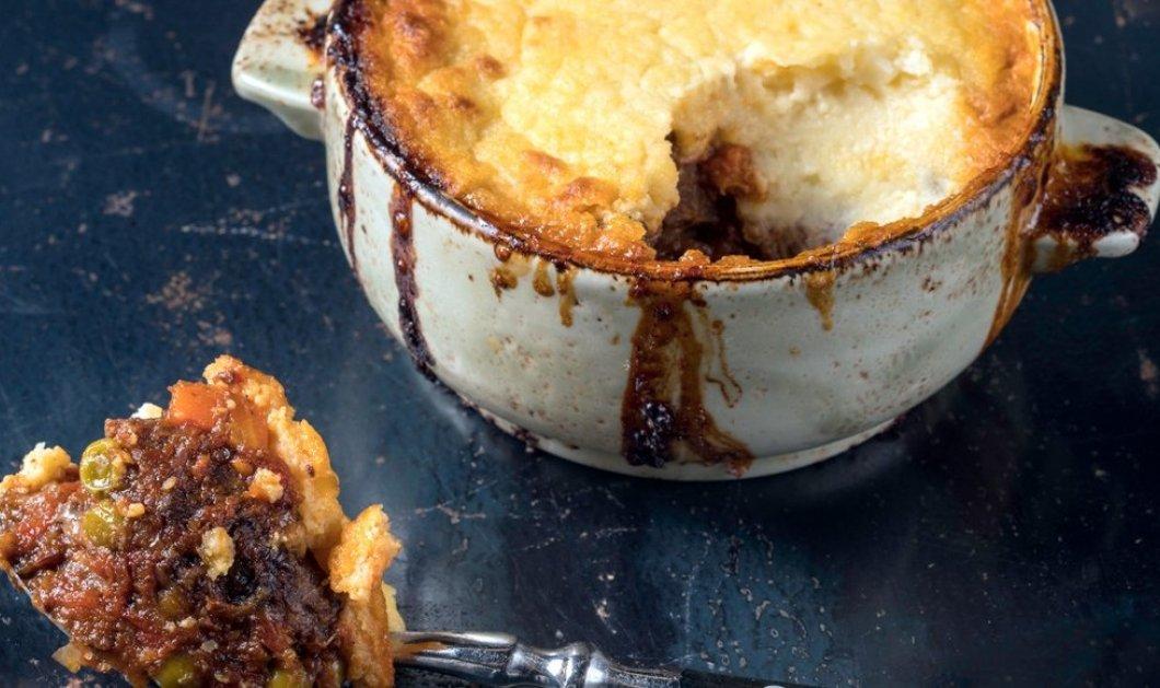 Μια απίθανη συνταγή από τον Γιάννη Λουκάκο: Μοσχαράκι κοκκινιστό με κρούστα πατάτας  - Κυρίως Φωτογραφία - Gallery - Video
