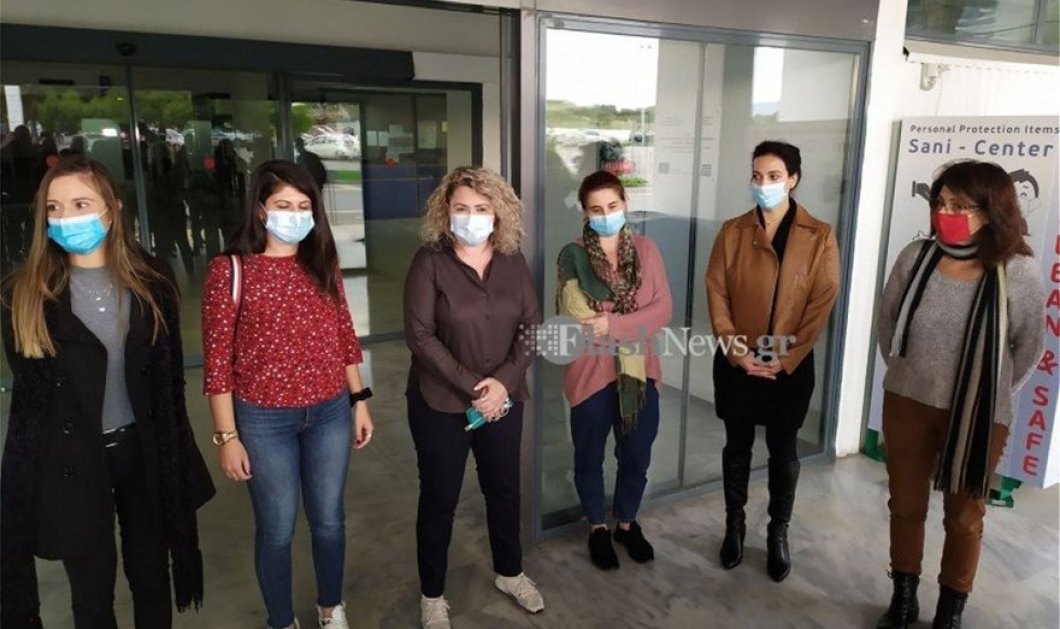 Topwomen οι 10 Κρητικοπούλες νοσηλεύτριες που πετάνε στην Θεσσαλονίκη για να βοηθήσουν τις ΜΕΘ - Υποκλίνομαι, χειροκροτώ!  - Κυρίως Φωτογραφία - Gallery - Video