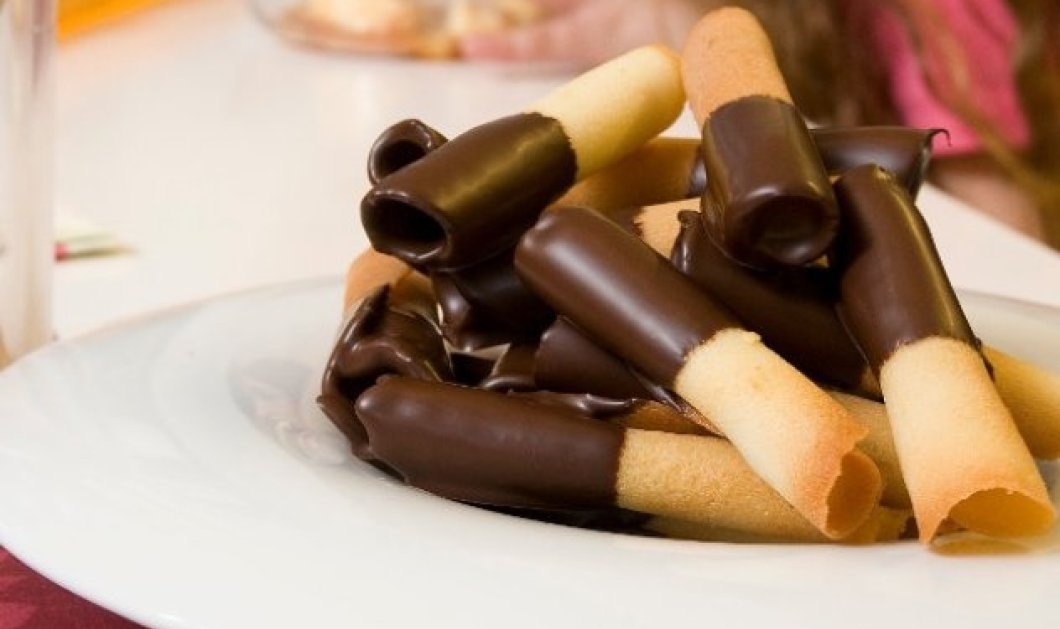 Ο Στέλιος Παρλιάρος μας φτιάχνει σπιτικά πουράκια με σοκολάτα που λιώνουν στο στόμα! - Κυρίως Φωτογραφία - Gallery - Video