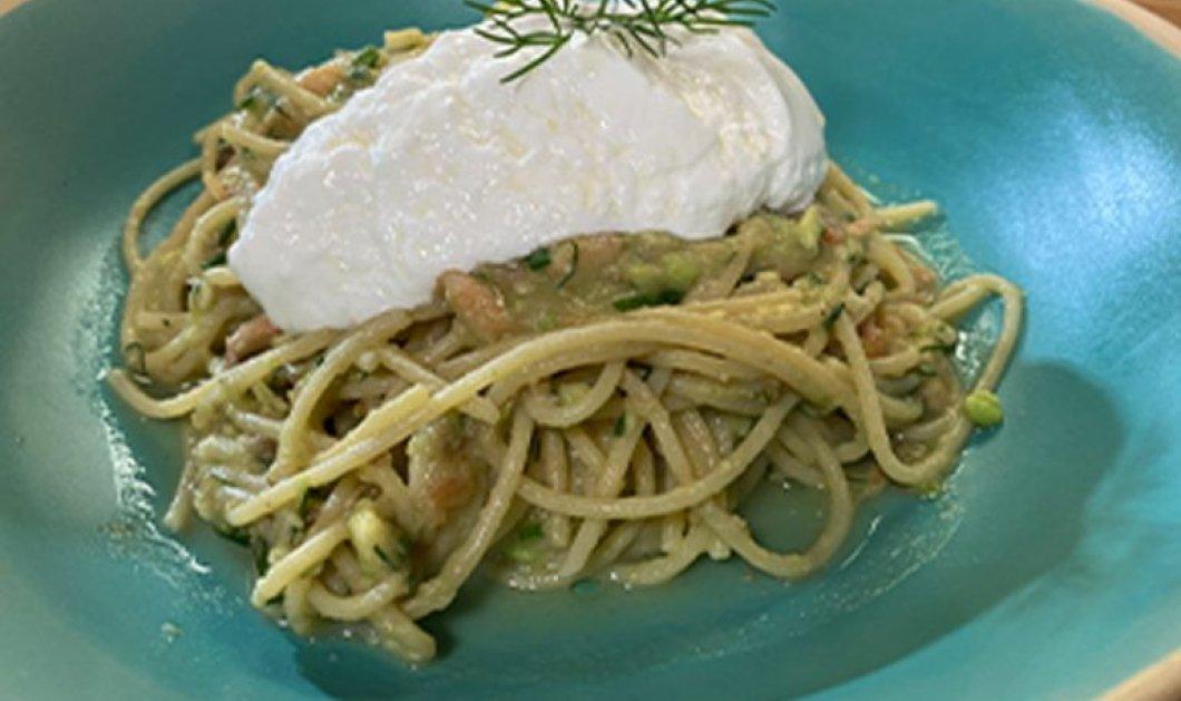 Η Αργυρώ Μπαρμπαρίγου μας φτιάχνει απίστευτα Spaghetti με σολομό και σάλτσα αβοκάντο - Κυρίως Φωτογραφία - Gallery - Video