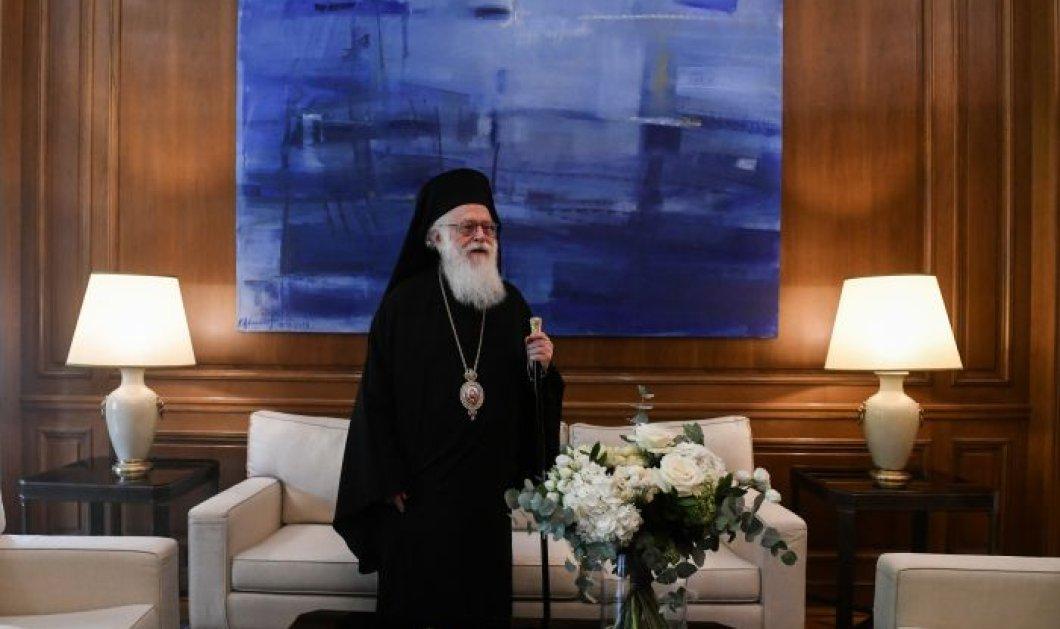 Ο σπουδαίος ιεράρχης, αρχιεπίσκοπος Αλβανίας Αναστάσιος με κορωνοϊό - Μεταφέρεται στην Ελλάδα με εντολή Μητσοτάκη (βίντεο) - Κυρίως Φωτογραφία - Gallery - Video
