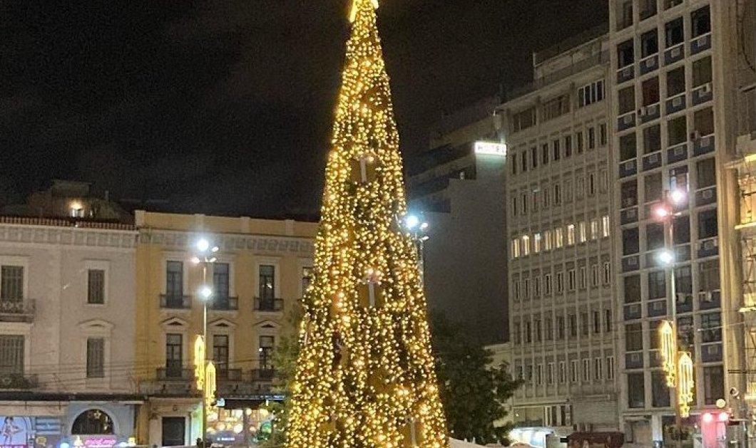"""Η Αθήνα βάζει τα καλά της! - Επιτέλους """"επιχείρηση σβήνουν τα γκράφιτι""""  σε 3.300 τ.μ. σε Σταδίου - Ομόνοια - Έτοιμο το χρυσό δέντρο (φώτο) - Κυρίως Φωτογραφία - Gallery - Video"""