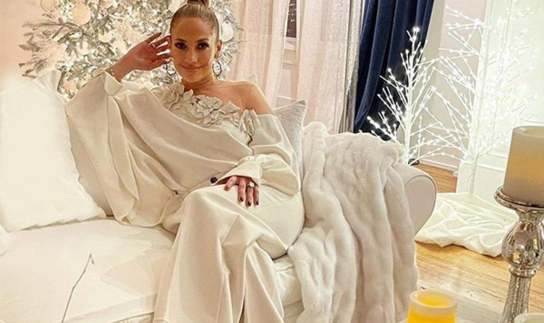 Τεράστια Χριστουγεννιάτικα δέντρα και αμέτρητες γιρλάντες & λαμπιόνια - Έτσι στόλισαν οι celebrities το σπίτι τους (φωτό) - Κυρίως Φωτογραφία - Gallery - Video