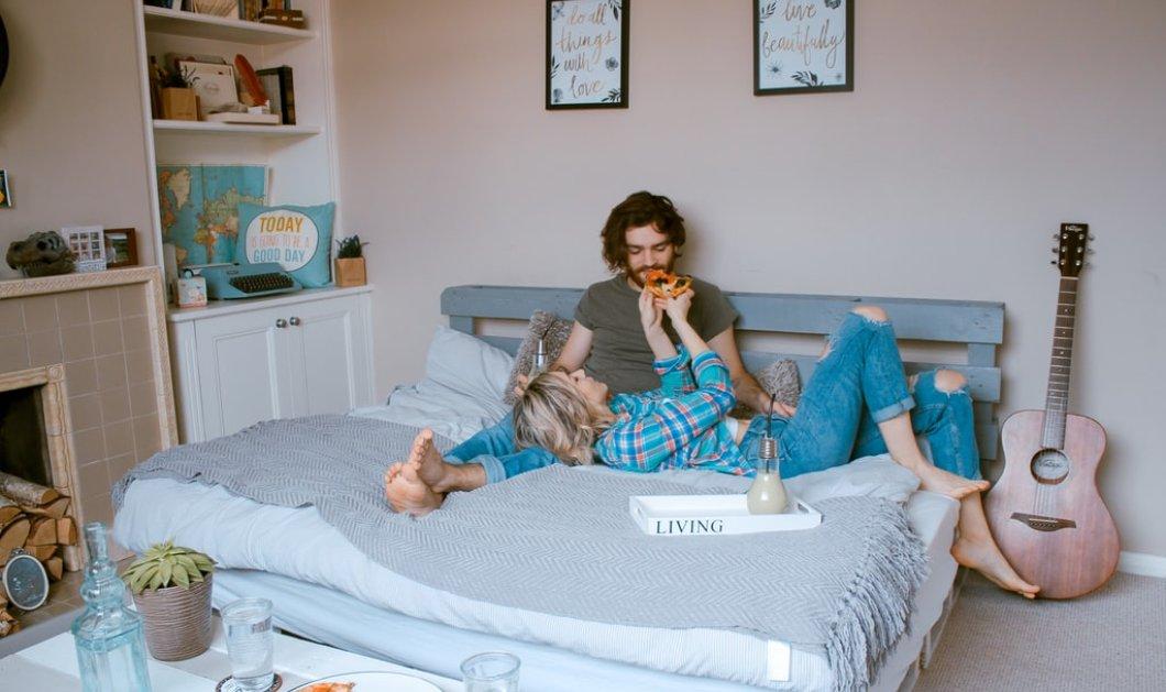 Ο Σπύρος Σούλης μας δίνει πρακτικές συμβουλές - Έτσι θα καθαρίσετε εύκολα και γρήγορα το στρώμα σας  - Κυρίως Φωτογραφία - Gallery - Video