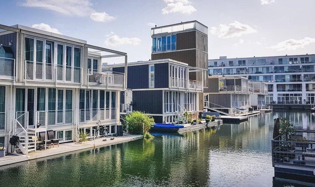 Waterbuurt: Η γειτονιά στο Άμστερνταμ που τα σπίτια της επιπλέουν - Ένα διαφορετικό είδος κατοικίας που κάνει θραύση (φωτό)  - Κυρίως Φωτογραφία - Gallery - Video