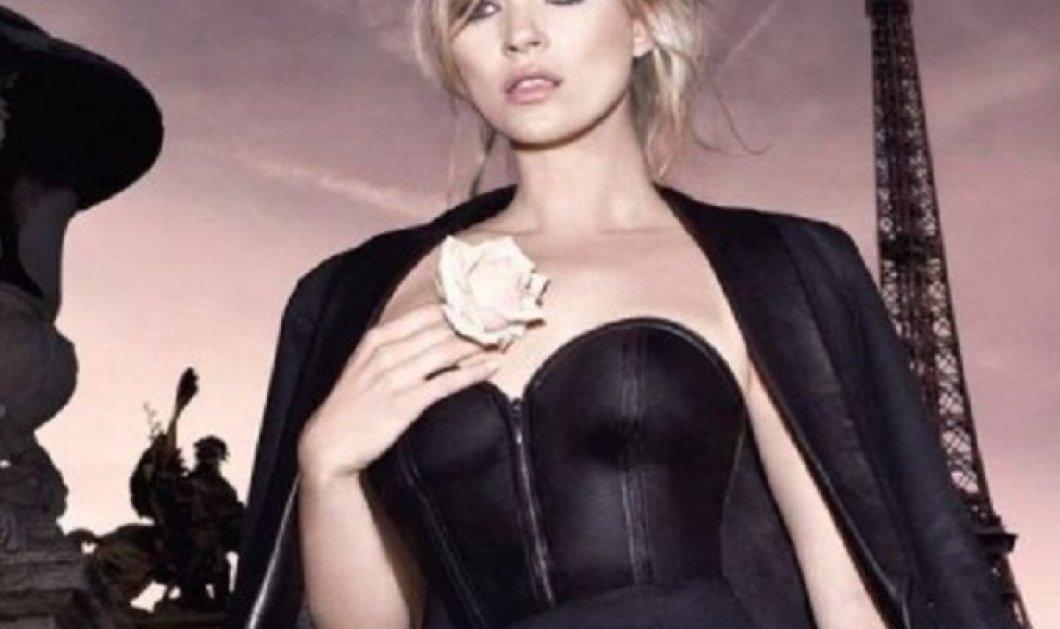 "H Kate Moss εκθαμβωτική στο πρώτο εξώφυλλο της βρετανικής Vogue για το 2021 - 26 χρόνια μετά το πρώτο της ""cover"" για το εμβληματικό περιοδικό - Δείτε & τα δύο (φώτο) - Κυρίως Φωτογραφία - Gallery - Video"